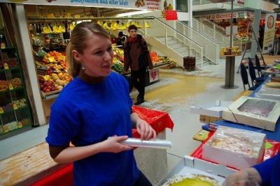 Teilnehmerin am Käsekuchenwettbewerb