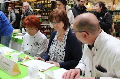 Käsekuchenwettbewerb Jurygruppe