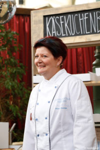 Dr. Karin Raschinsky