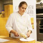 Martina Bobel: Test: Traditionsbäckerei Rösler: Hohe Gebackene Käsetorte